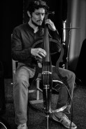 Der portugiesische Star-Cellist André Potnífice vom Metropolitan Orchestra of Lisboa. Foto: Flora Jädicke