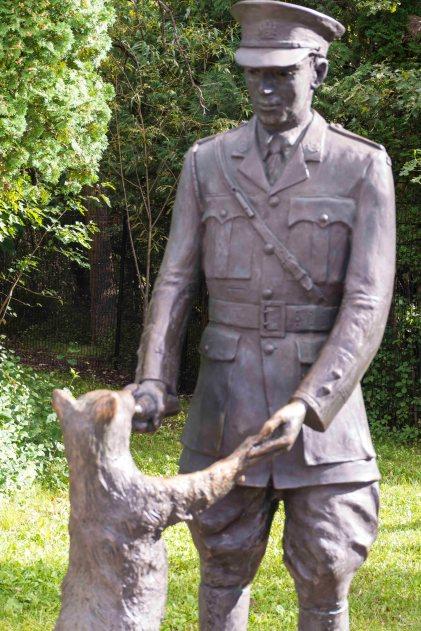 """Mit einem Soldaten begann die Geschichte von """"PU der Bär"""". Foto: Flora Jädicke"""