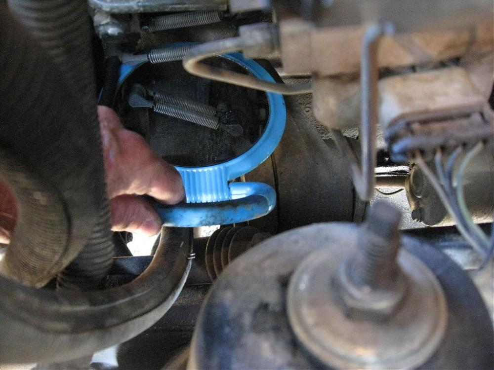 medium resolution of img 2102 jpg throttle tension spring pic