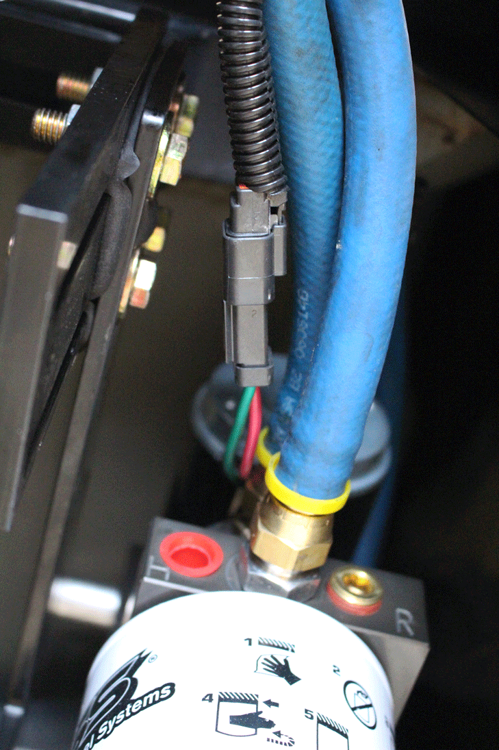 hight resolution of during the routing of the wire harness bosie took care to anchor it to existing wiring and fuel lines via zip ties after plugging the wire harness in at