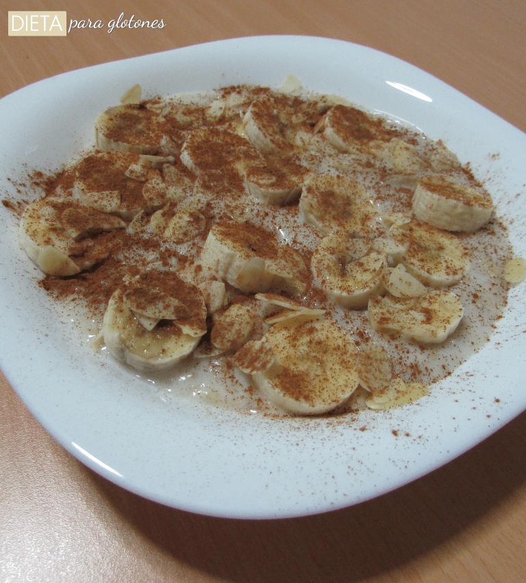Gachas de avena con plátano y canela