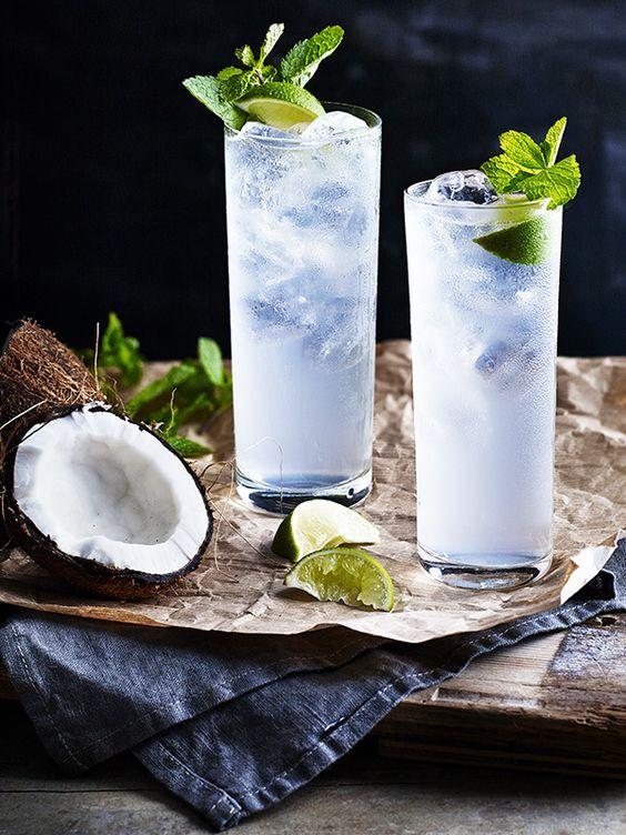 apa cu fructe