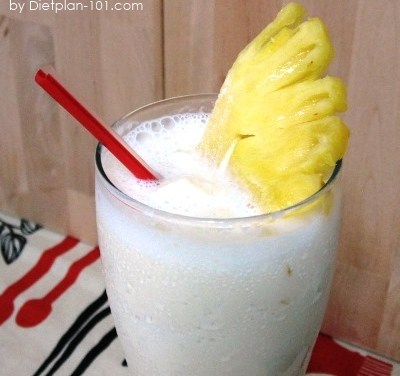 Pineapple Almond Milk Smoothies (Atkins Diet Phase 3 Recipe)