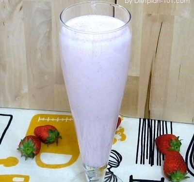 Fresh Strawberry Yogurt Almond Milk Smoothie Recipe