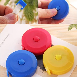 1 PCS Useful Retractable Ruler Tape Measure Sewing Cloth Dieting Tailor 1.5M Mini Cute Style Telescopic tape Random Color