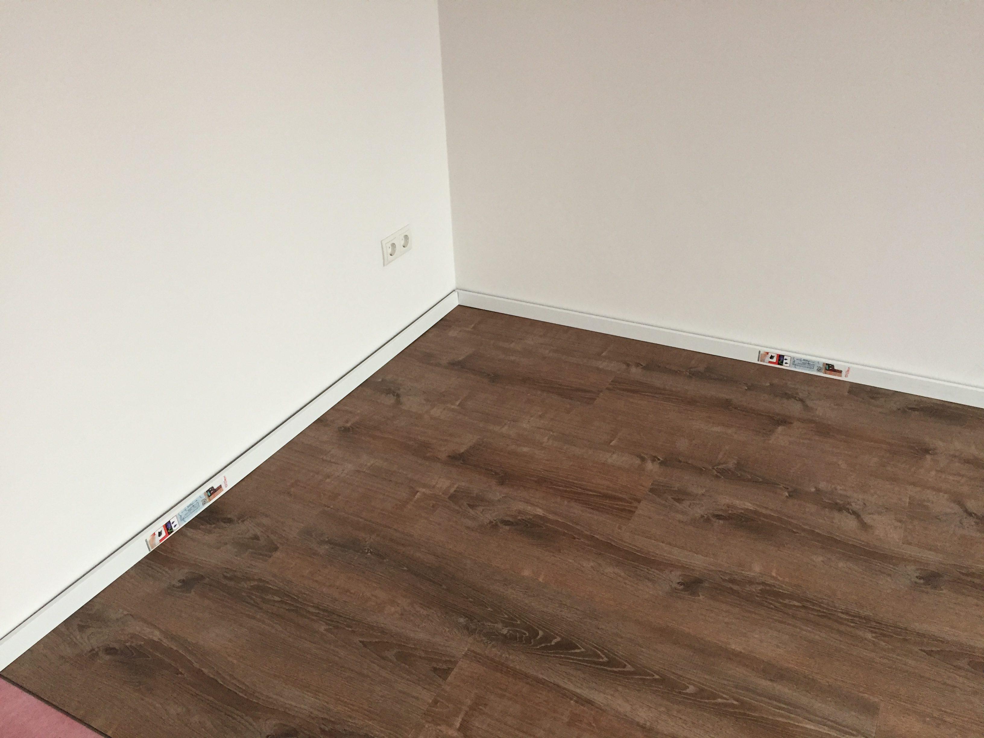 Vinyl Fußboden Stärke ~ Ein boden für das ganze haus vinylboden test diewarentester.de