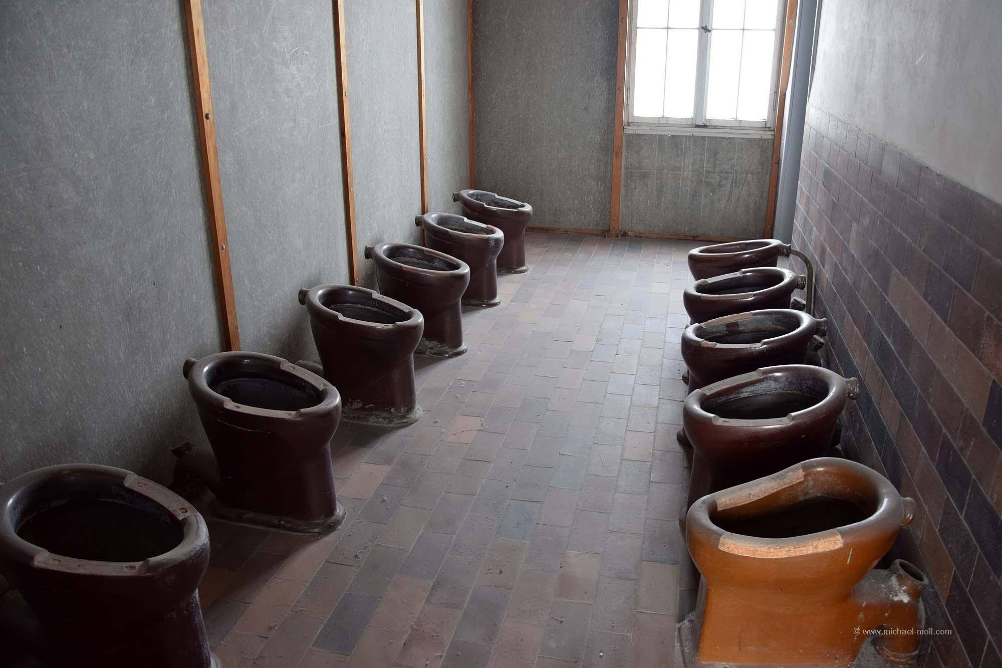 Toiletten  Die Weltenbummler