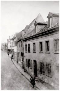 Hier wohnte Familie Koch, Mainzer Str. 14 gegenüber der St. Remigiuskirche