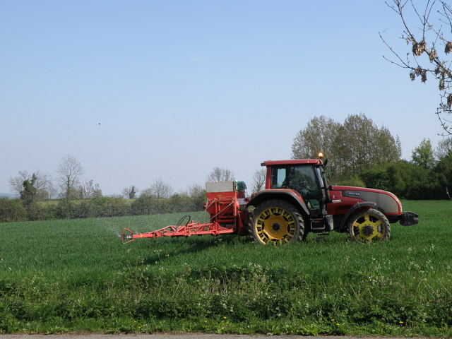 Difference Between Organic And Inorganic Fertilizer