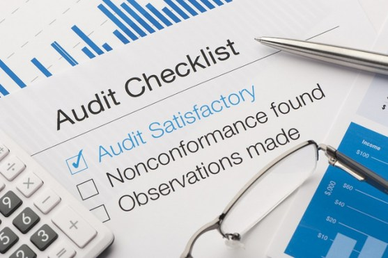 Difference Between Audit Risk and Business Risk