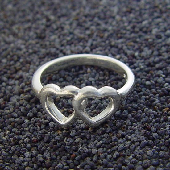 Difference Between Sterling Silver and White Gold