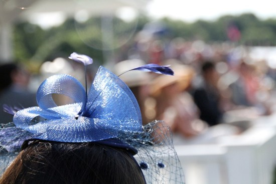 Difference Between Fascinator and Hat