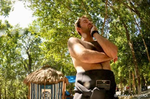 Un moniteur de plongée au Mexique