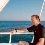Martin Parker sur un bateau après la plongée