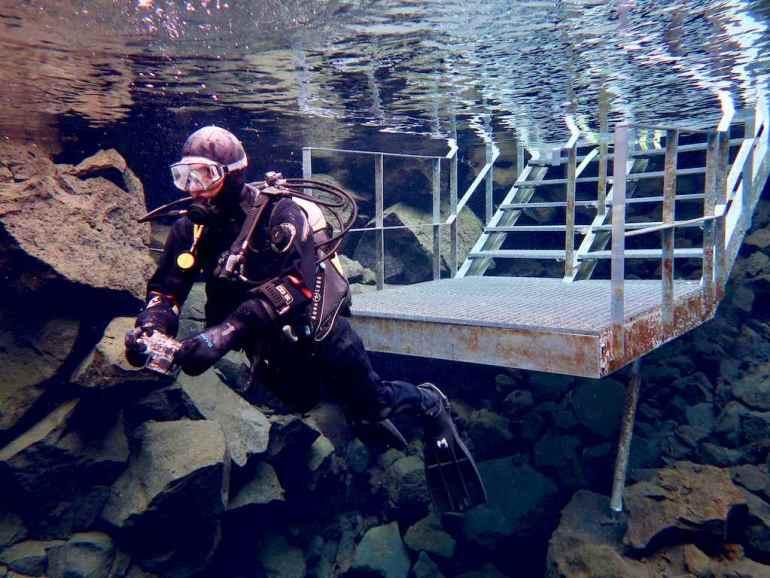 Début de plongée dans la faille de Silfra