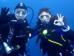Hélène et Marina lors d'une plongée à Nice