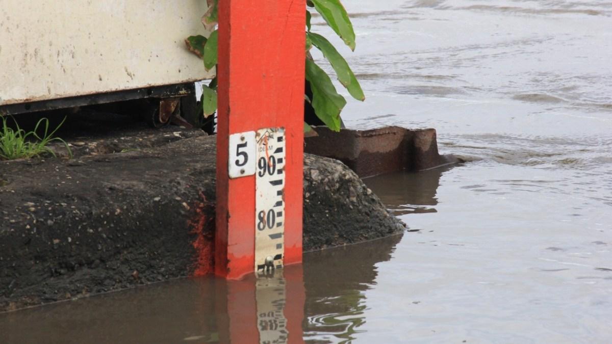 Río Magdalena a punto de Desbordarse