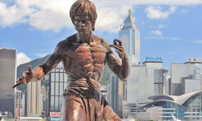 https://de.wikipedia.org/wiki/Datei:Hong_kong_bruce_lee_statue.jpg