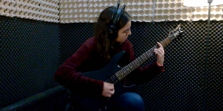LONELY DAY – Cover de guitarra por Beatriz Brandão