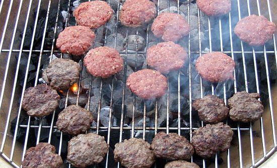 Hamburger auf dem Grill