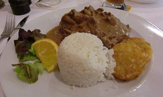 Pljeskavica  in der Gaststätte Am Reis in Kelkheim-Hornau