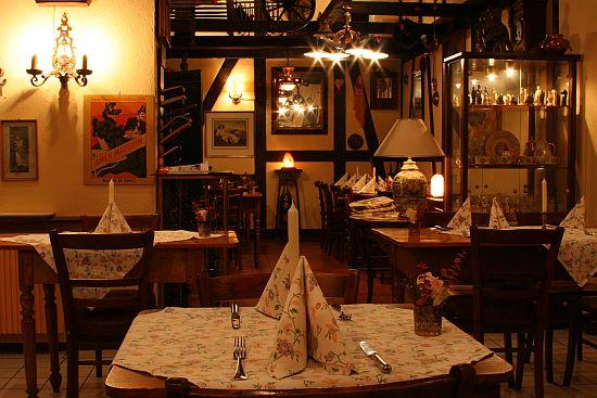 Foto: Im Restaurant Pinienhof in Frankfurt Sachsenhausen