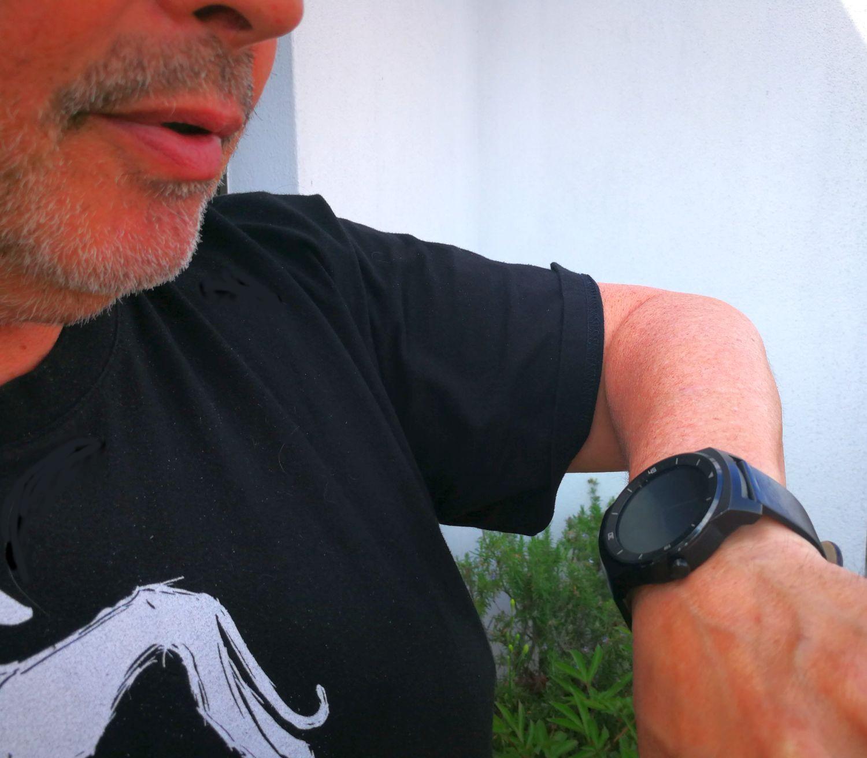 Was zur Hölle: Ist es peinlich, mit seiner Smartwatch zu reden?