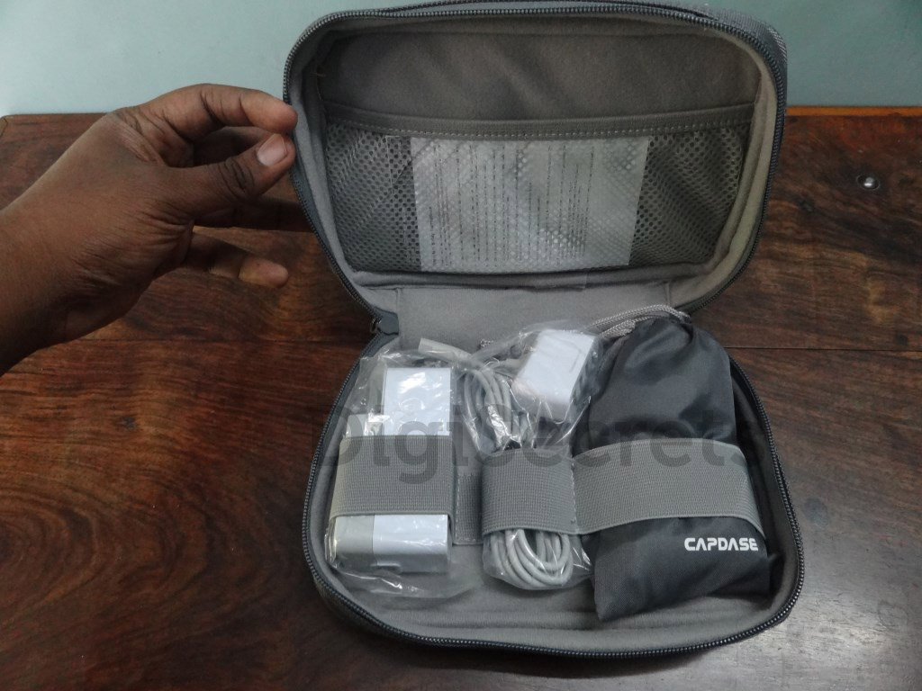 Capdase-Porto-V4-Quartet-USB-Power-Adapter (1)