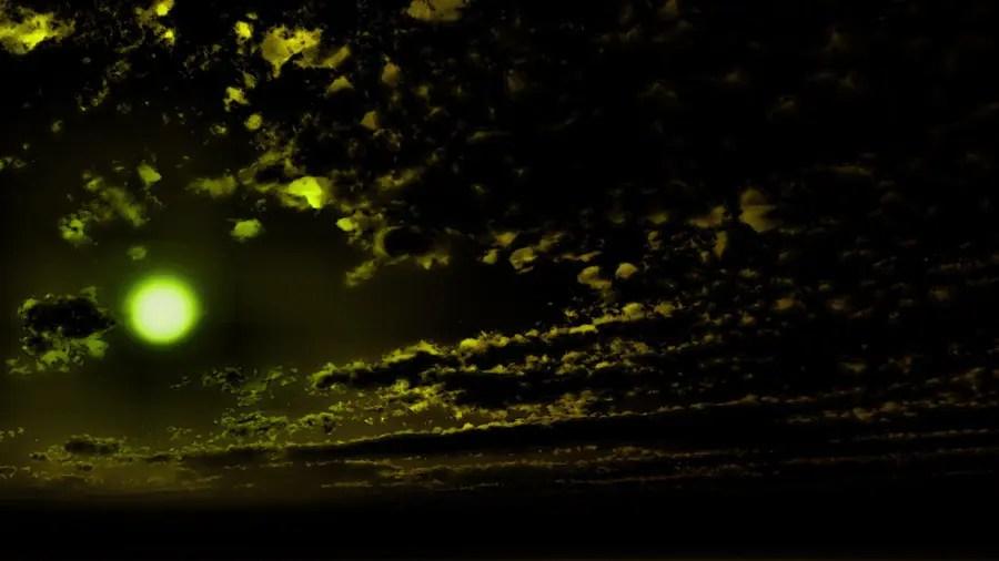 フリーデータ,2D,CG,背景画像,空,雲,夜,暗闇,緑色に輝く恒星