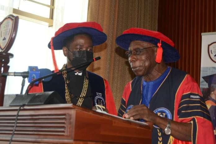 Cameroun : Les cinq sages conseils du président Olesegun Obasanjo aux jeunes diplômés de l' ICT University
