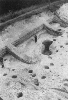 Image 04 - excavated to the slope of the period 1 rampart with segments of the tail removed.
