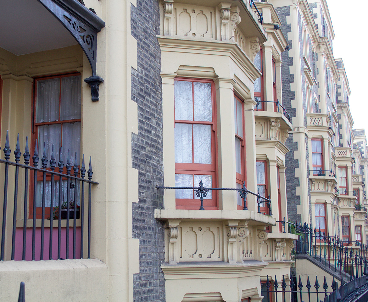 E2-London-Row-Houses