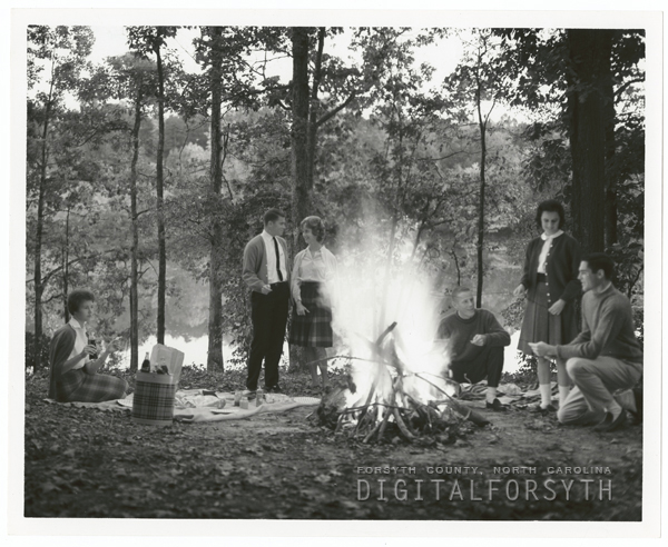 Wake Forest students at picnic