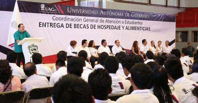 becas_estudiantes_uagro_rector (2)