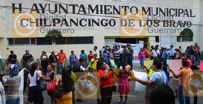 protesta_ayuntamiento_chilpancingo_servicios_publicos (3)