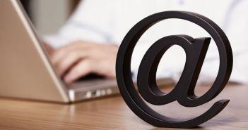 Jan Sollid Storehaug spør om du fortsatt sender No-reply mail til dine kunder