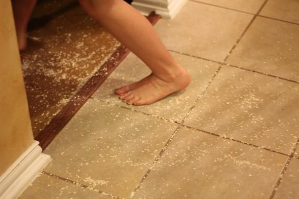 toddler dumps oatmeal everywhere - fleas scene