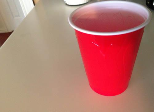 Use a standard 16 oz cup to make the safety sparkler holder