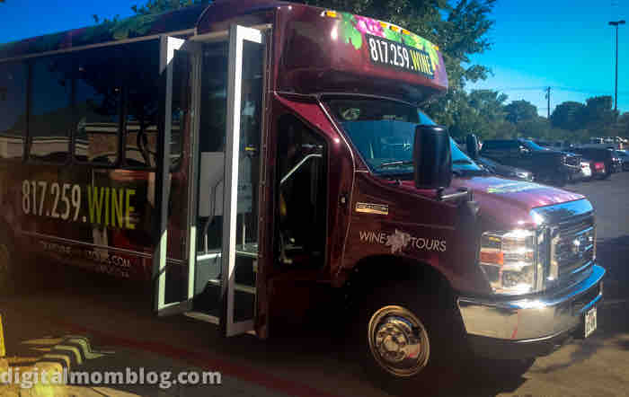 grapevine wine tour bus