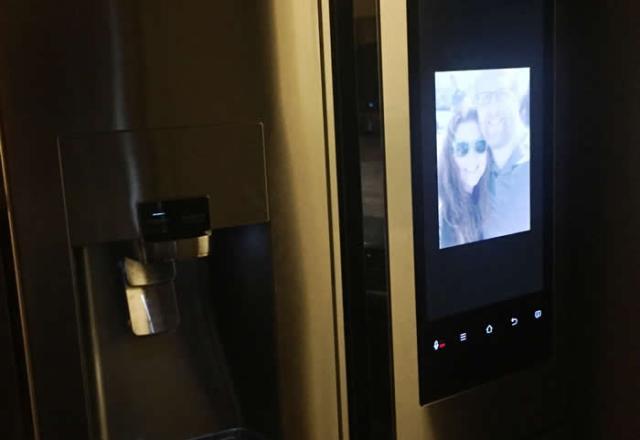 photos on smart fridge