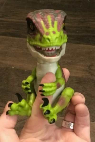 NEW UNTAMED Dinosaur Fingerlings Just Launched!