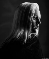 Low-Key Black & White Portrait Lighting - Digital Photo Pro