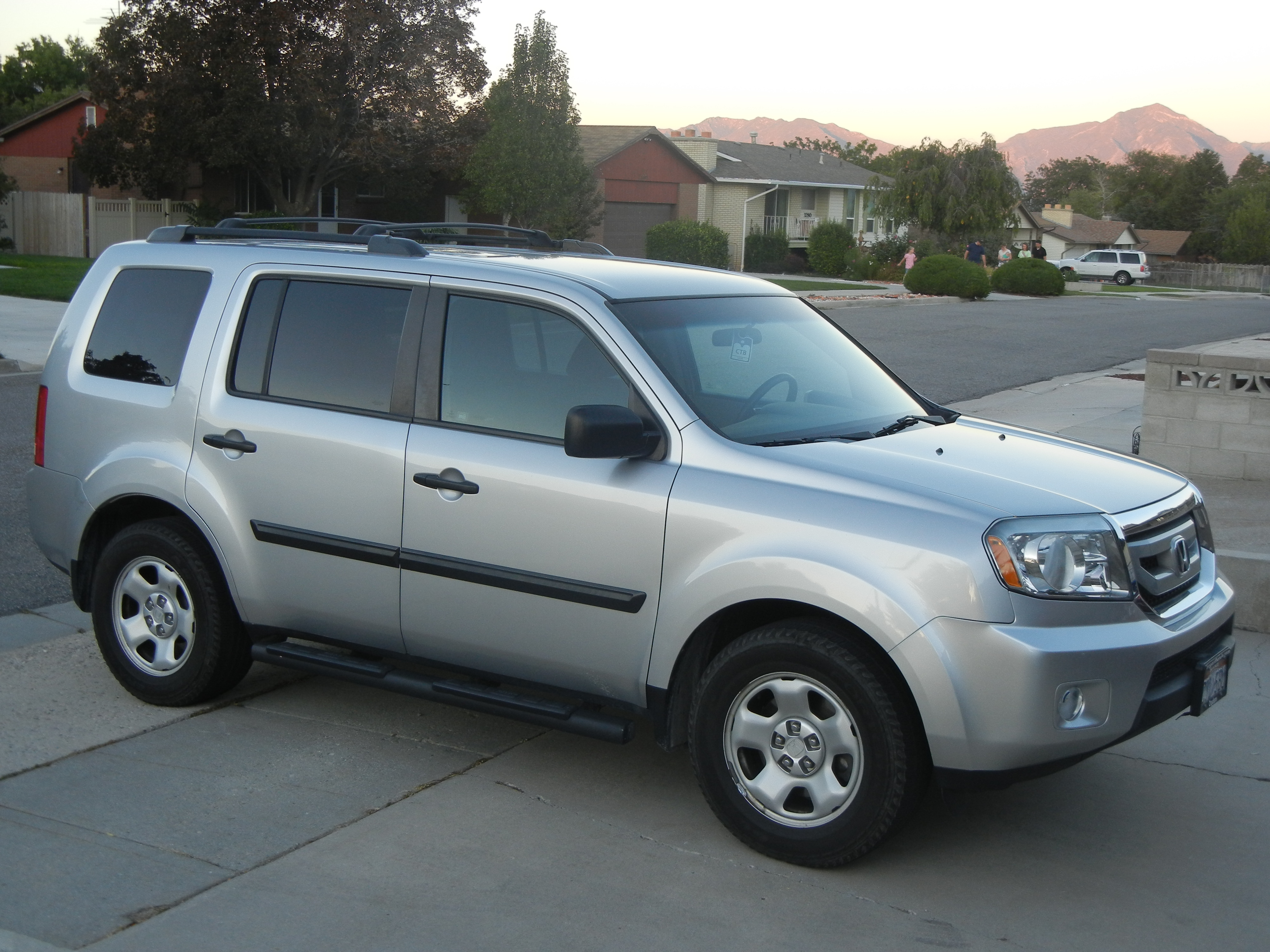BUY this One-Of--A-Kind 2011 Pilot LX 4WD with LOW MILES