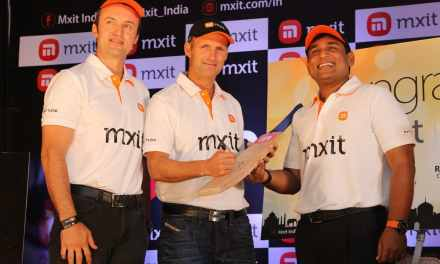 Mxit expands into India