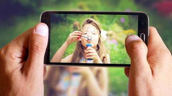 7 novel uses for the camera in your Android smartphone
