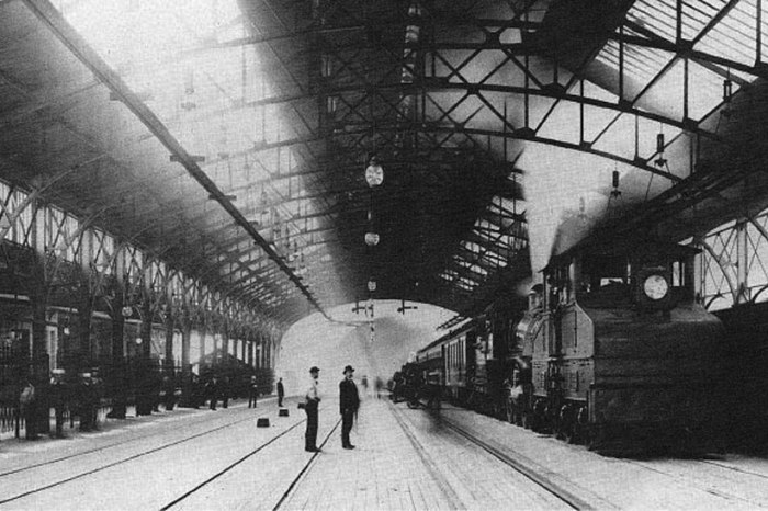 Mt_Royal_Station_in_1896_multiply_web