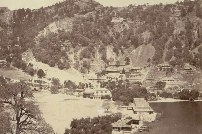 Nainital_before_landslip_BLcollection