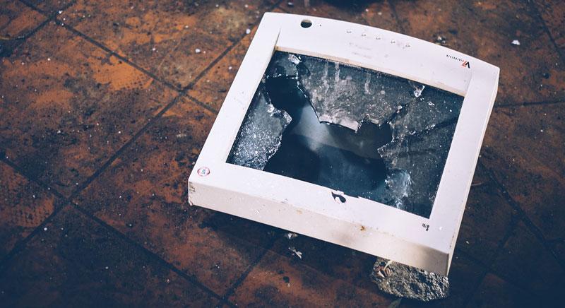 damaged broken pc