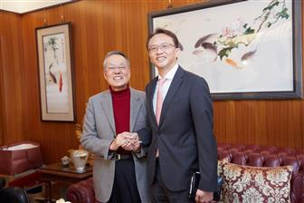 Stan Shih (left), Acer founder and Jason Chen (right) Acer chairman