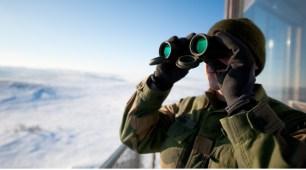 Garnisonen_i_Sør-Varanger_binoculars
